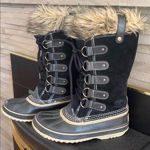 Sorel Joan of Arctic boots 🥾